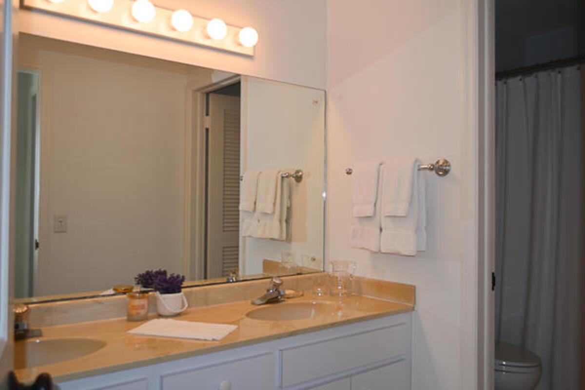 Gst Bed1 Bath115